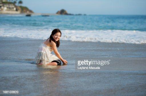 blonde Wet otngagged beach