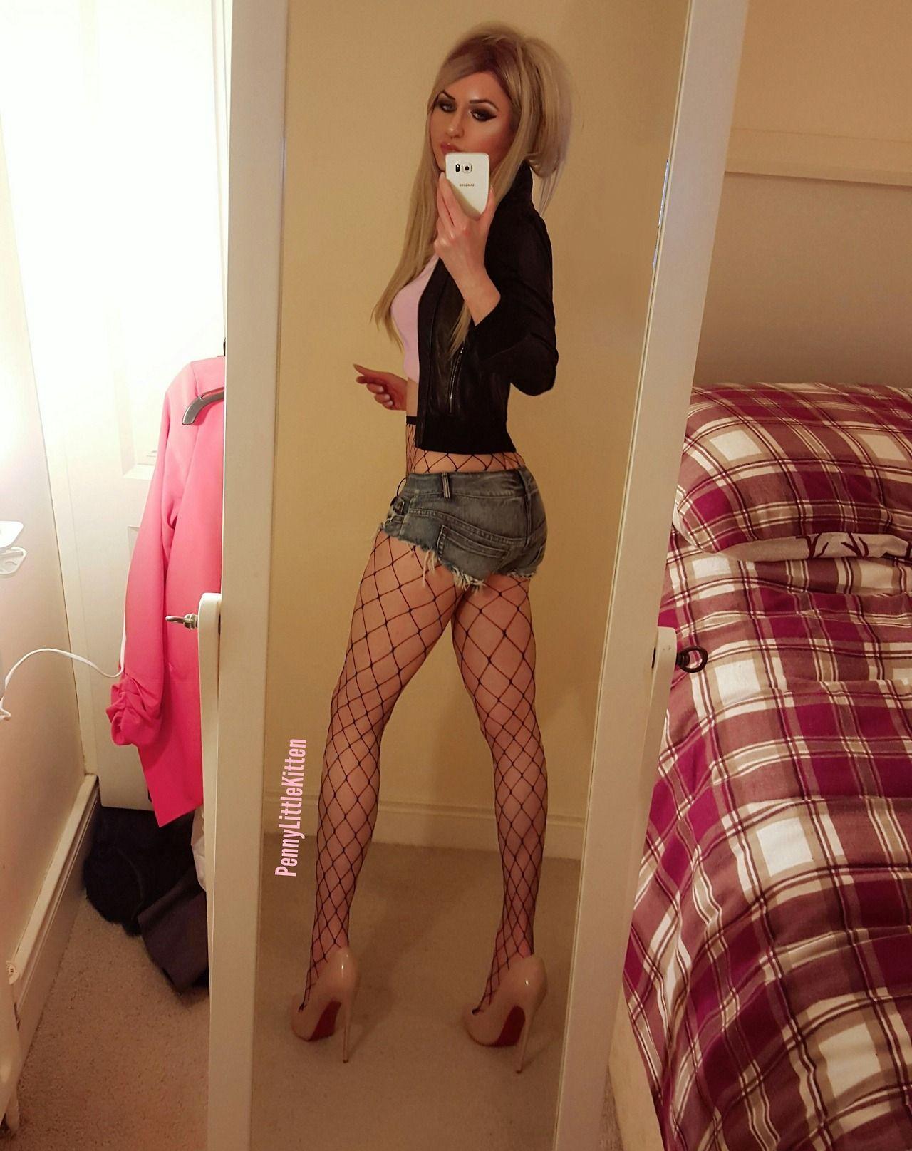 shorts maid cute Amateur