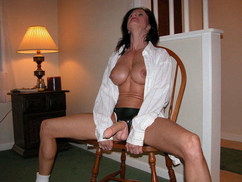 Fit missionary dp spank