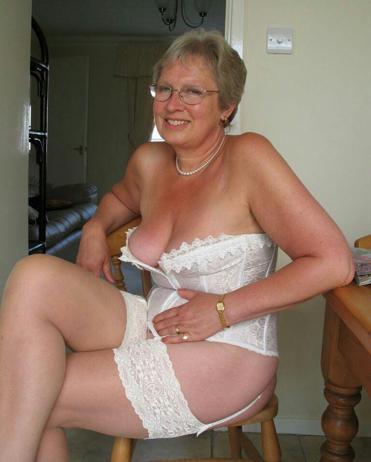 36 New Sex Pics Sensual midget doctor big butt