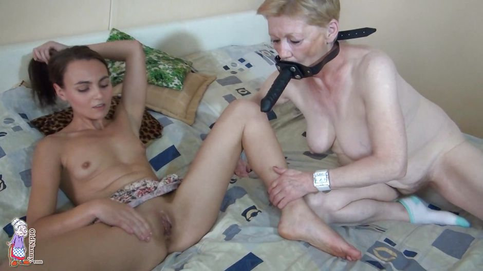 Grannies piercing brunette squirt