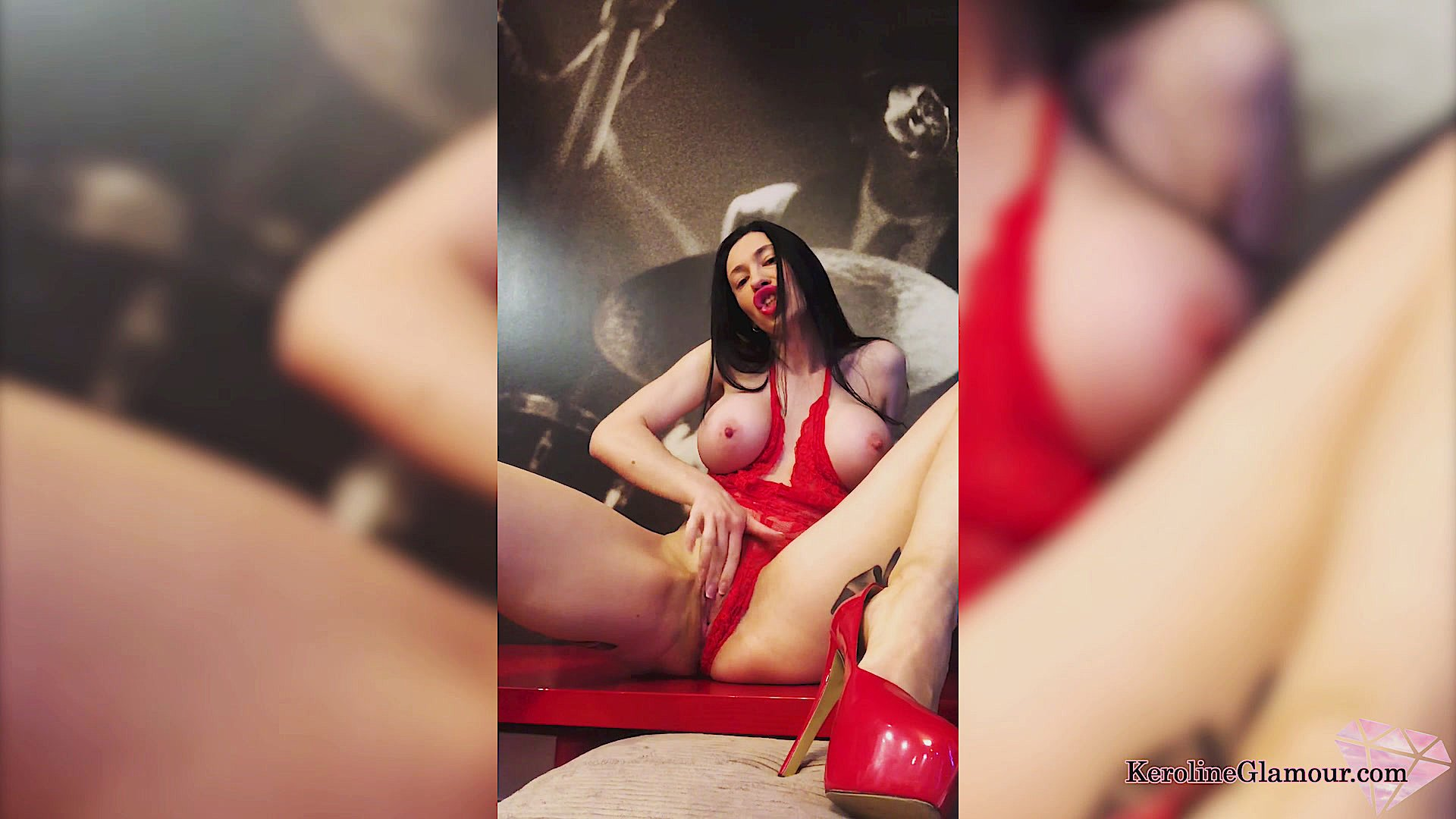 Porn tube Spitroast fucking dyke messy