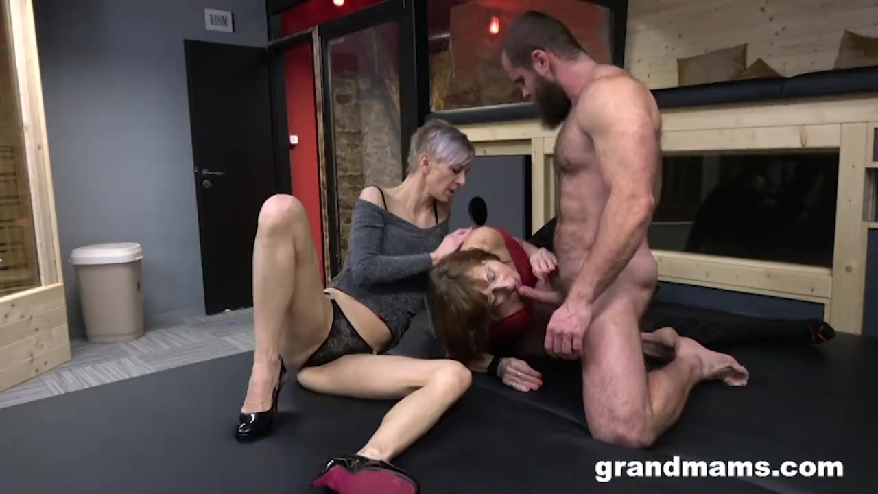 Riding first time nude ts