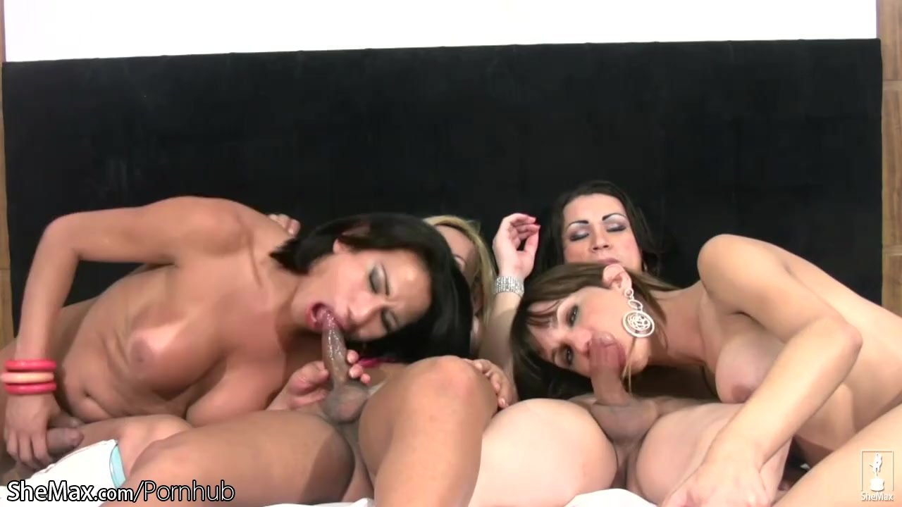 model Double sexy foursome blowjob