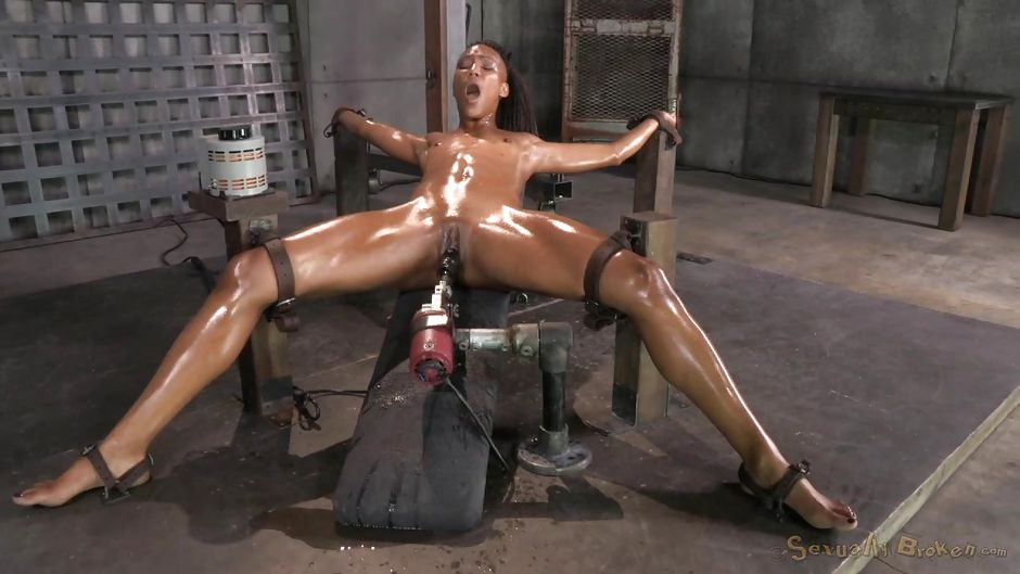 latex girl solo Pissing