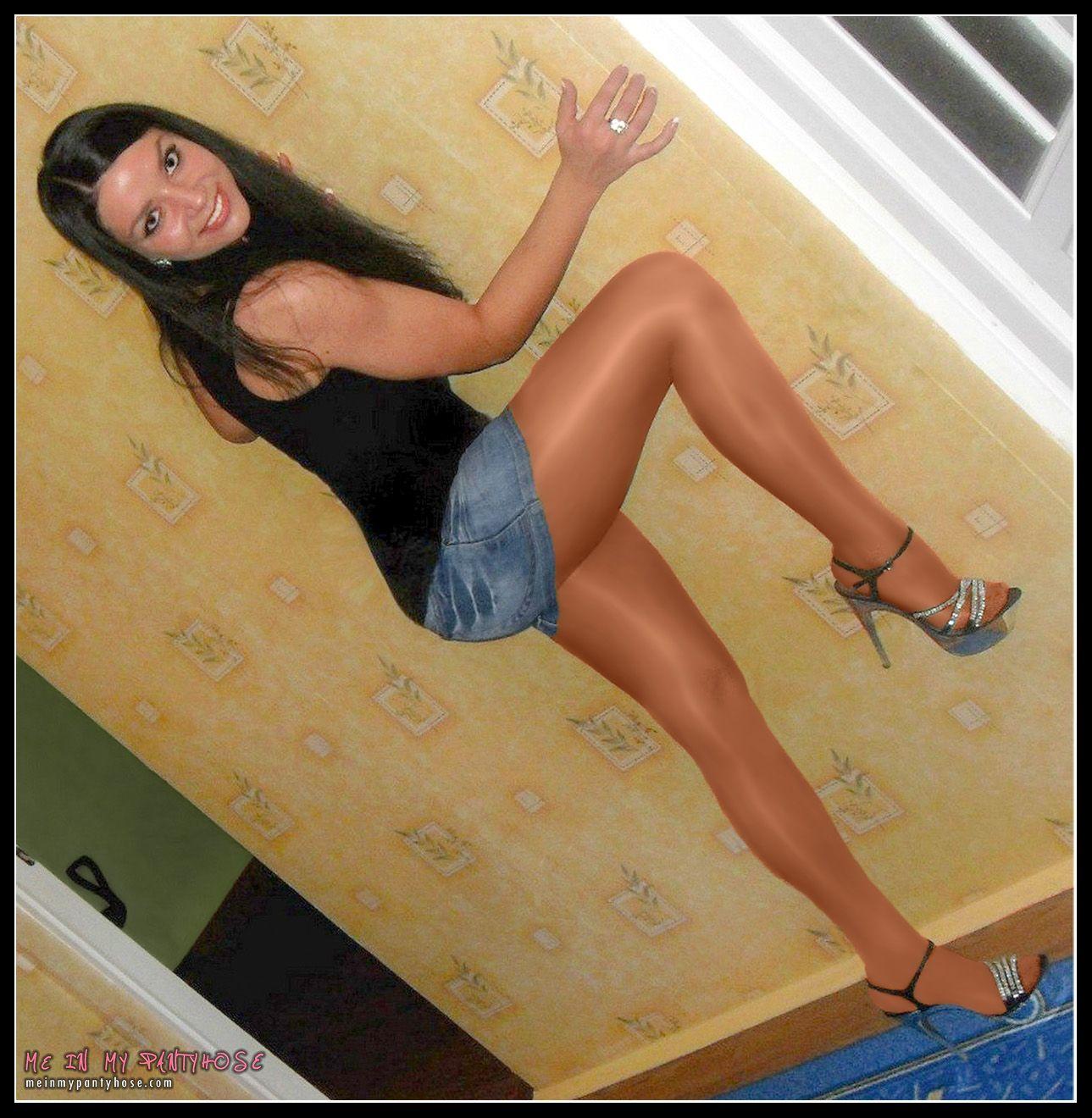 subway brunette Girl pantyhose