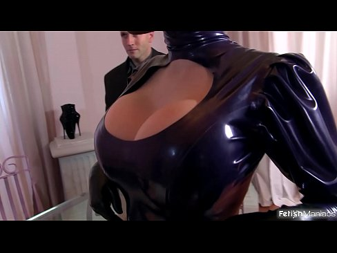 latex glamour Sucking oral dick