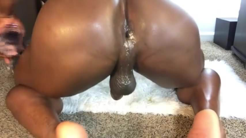 Ass eating redhead woman otngagged
