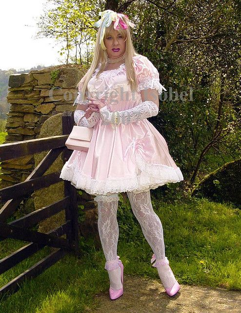 amateur sissy girl Outdoor