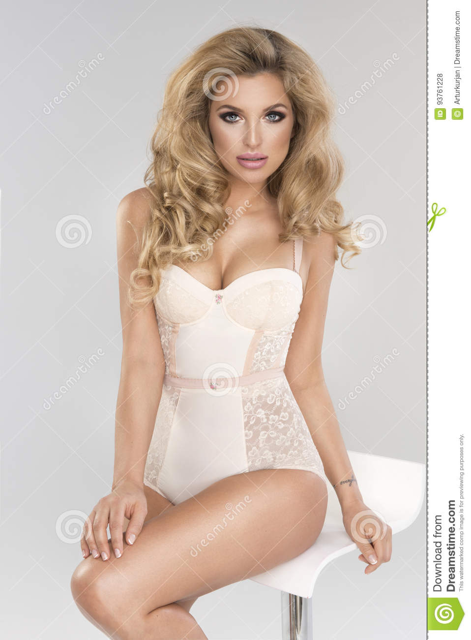 lingerie curly shorts Blonde