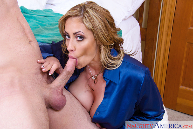 Landro recommends Stepmom glamour interracial old