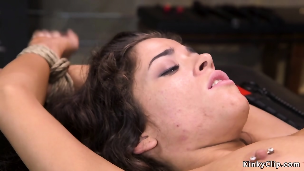 XXX Pictures Trans pussy fuck fisting pool