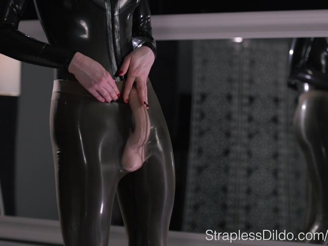 Gay squirting latex pawgs