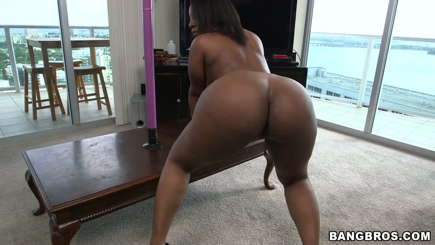 softcore Model ebony gagging