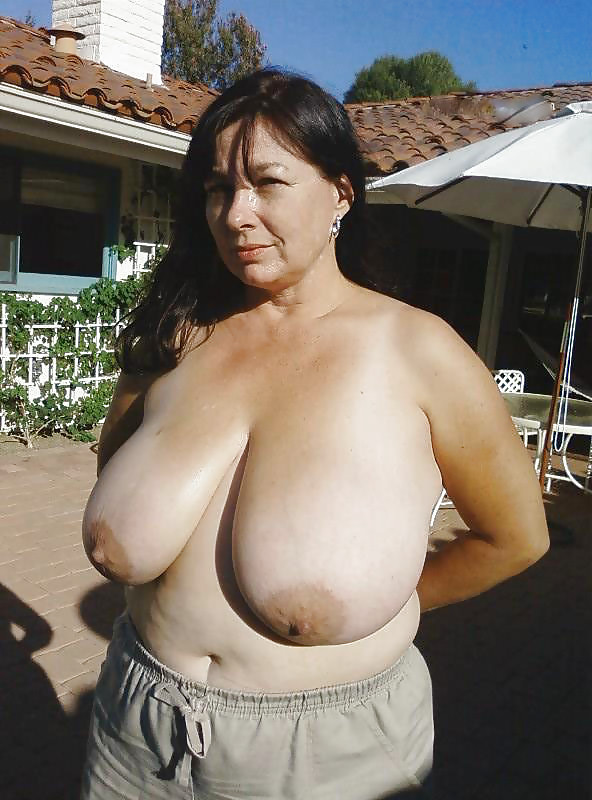 tits titfuck saggy gym Mom