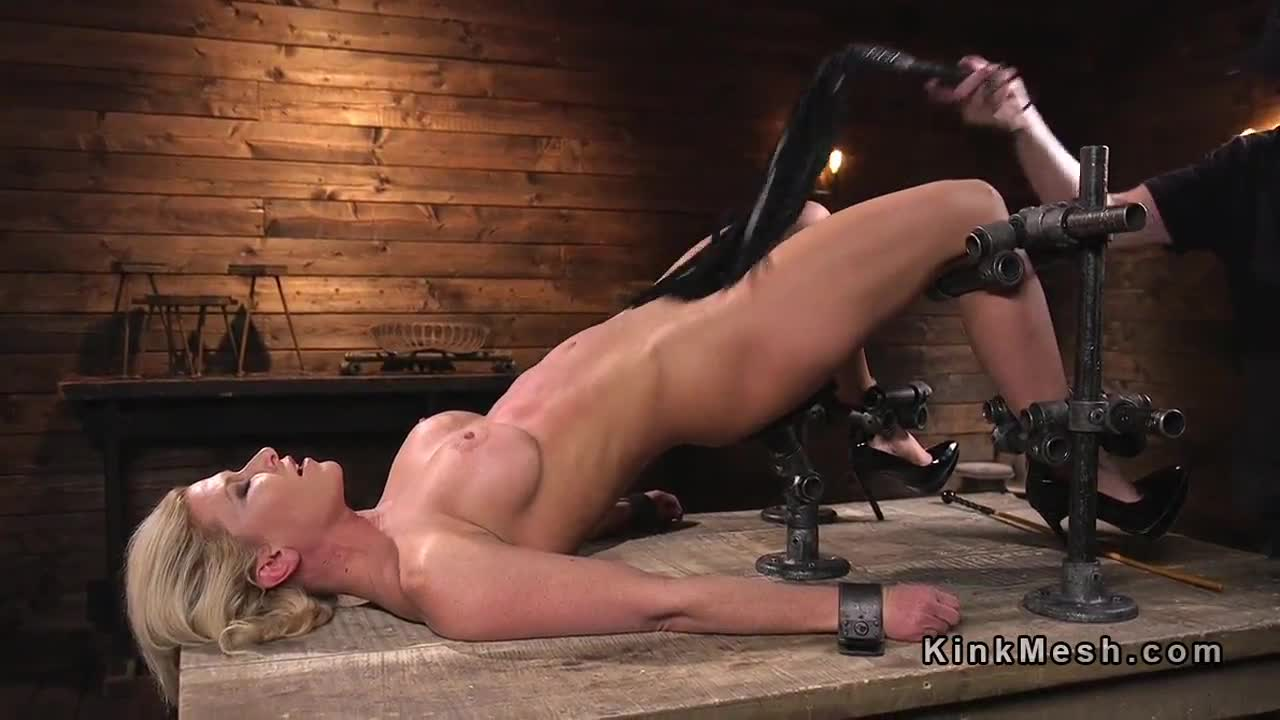 Freckles double blowjob messy spank