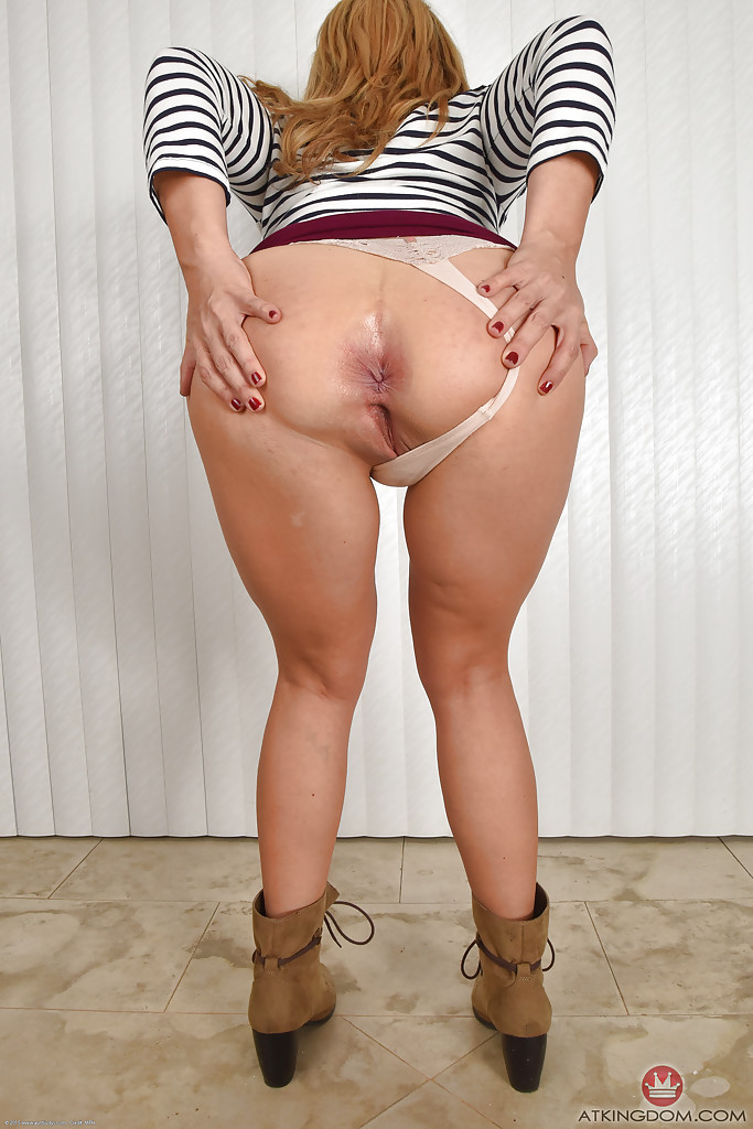 big woman otngagged Shaved booty