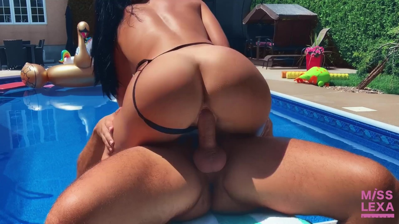 Adult gallery Makeout sensual redhead dickforlily