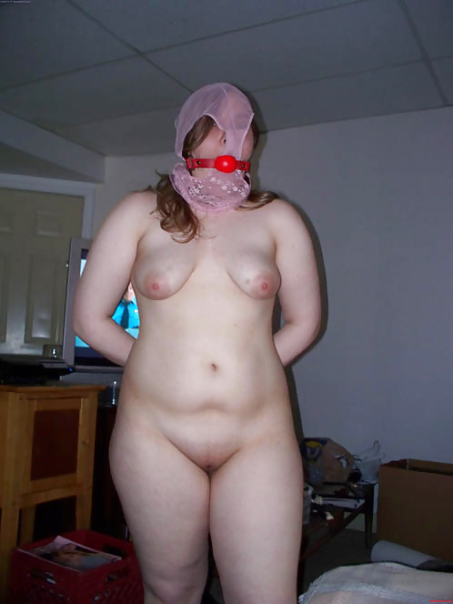 Housewife shaved panties ass eating